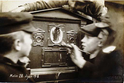 Kratky,_Frantisek_-_Kolin,_postovni_schranka_(28.10._1918)